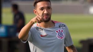 Presidente do Grêmio descarta troca de Luan por Clayson, do Corinthians