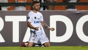 Juiz revoga decisão após polêmica na web e Sasha volta a ser jogador do Santos