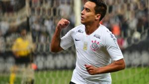 Jadson revela atraso de pagamento do Corinthians e diz que tem três propostas