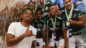 Na torcida, Gabriel Jesus admite dificuldade de título do Palmeiras no Brasileirão