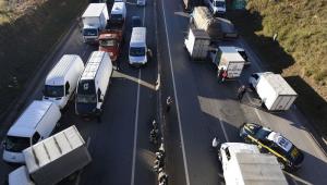 Em aceno a caminhoneiros, Bolsonaro diz que estuda redução de impostos do diesel