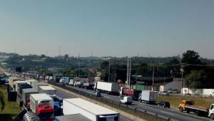 Entidade com 800 mil caminhoneiros adere à greve marcada para 1º de fevereiro