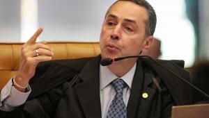 Ministro discursa em plenário do STF