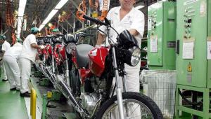 Denise: Produção industrial sobe 0,3% em setembro, mas segue em queda anual