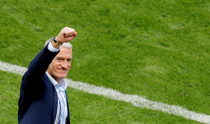 Federação francesa afirma que Deschamps será técnico da seleção até 2020