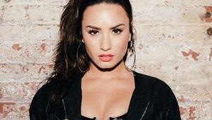 Demi Lovato vai leiloar roupa e autógrafos para incentivar fãs a votarem nos EUA