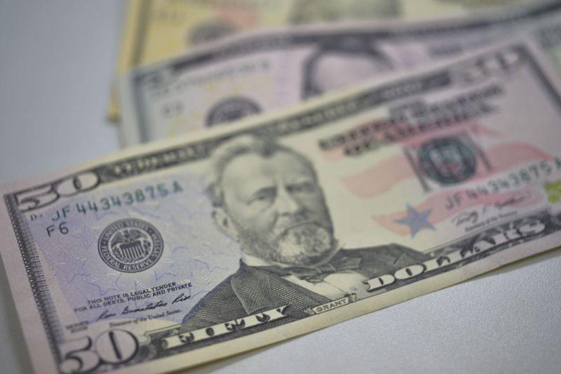 Dólar caminha para sexta semana de queda com bom humor dos mercados internacional