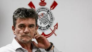 Andrés revela primeiras conversas com Tiago Nunes: 'Dificilmente alguém falar não para o Corinthians'