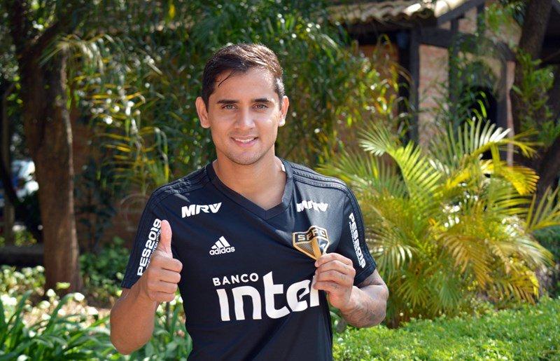 Lucas Fernandes amplia vínculo contratual com o São Paulo
