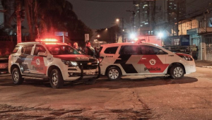Mulher vítima de agressão por PMs teme retaliação, mas espera punição dos envolvidos