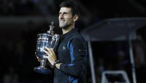Djokovic abre Finals com vitória arrasadora sobre Berrettini