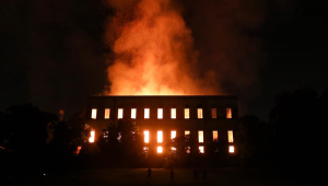 Cedae é multada em R$ 5,6 mi por falta d'água no incêndio do Museu Nacional