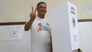 Pelo WhatsApp, governador do PT pede que prefeitos levem eleitores para votar