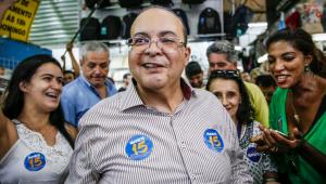 Governador do DF tira licença para torcer pelo Flamengo no Peru