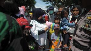 Uma semana após terremoto e tsunami, 31 jovens são encontrados com vida na Indonésia