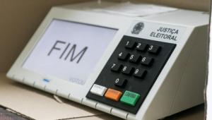 Eleições municipais devem ter horário estendido e dividido por faixa etária, diz Barroso