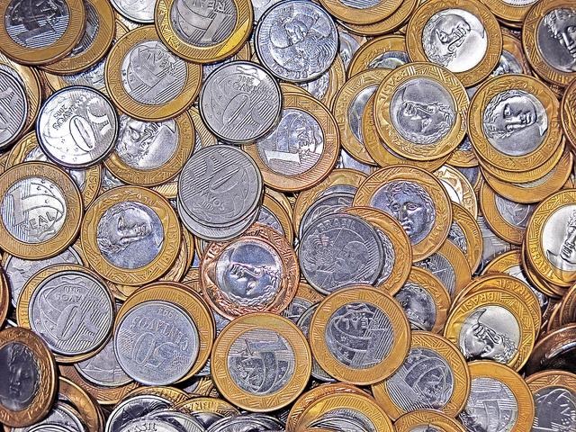 moedas de um real