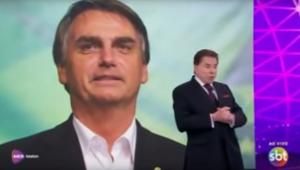 O apresentador e dono do SBT, Silvio Santos, recebeu um telefonema do presidente eleito, Jair Bolsonaro (PSL), neste sábado (10), durante o Teleton