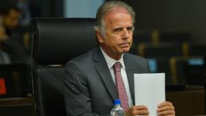 Presidente do TCU tem alta hospitalar após ser internado com Covid-19