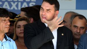 Flávio Bolsonaro rebate crítica de Witzel ao governo federal: 'Mentiroso'