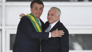 Bolsonaro convida Temer para missão em Beirute