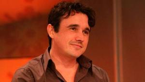 Mãe do ator Caio Junqueira morre dias antes de aniversário do filho