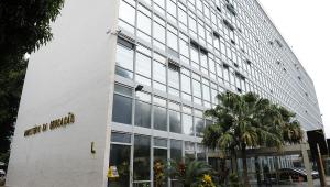 Justiça barra Sisu e manda MEC comprovar correção de erro no Enem