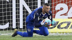Weverton admite cobrança no Palmeiras por Paulistão: 'Faz tempo que não ganha'