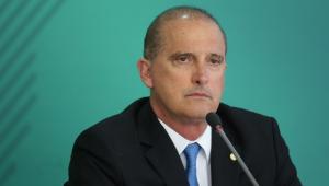 Bolsonaro demite Onyx e convida Braga Netto