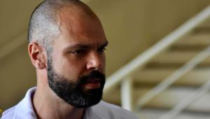 Covas recebe alta e deixa hospital após 23 dias internado