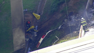 Helicóptero cai no Rodoanel, na Zona Sul de São Paulo, e mata duas pessoas