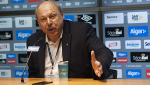 Postura de Peres gera dúvida sobre transparência no Santos, diz Marcelo Teixeira