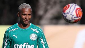 Emprestado pelo Palmeiras, Deyverson provoca: 'Saudade de fazer gol no Corinthians'