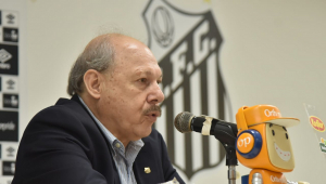 Presidente do Santos volta a cutucar Sampaoli e confirma negociação por Robinho
