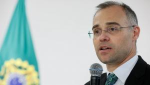 Em ofício enviado a Bolsonaro, juristas evangélicos oficializam apoio a André Mendonça no STF
