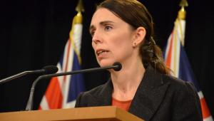 Nova Zelândia: Ministro da Saúde pede demissão após desrespeitar confinamento