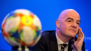 Infantino, presidente da Fifa, volta a elogiar VAR e se diz 'torcedor fanático' da tecnologia