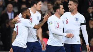 seleção inglesa comemora gol