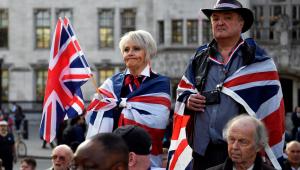 A um dia da eleição, Reino Unido teme que nenhum partido forme maioria