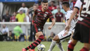 De Arrascaeta volta de lesão e vira opção para o Flamengo contra o Vasco
