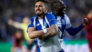 Paris Saint-Germain acerta contratação de brasileiro Alex Telles, diz jornal