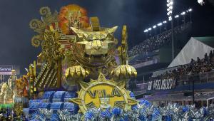 Sete escolas de samba abrem os desfiles de São Paulo