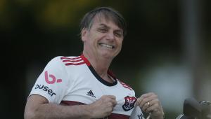 Flamengo recebe a visita de Bolsonaro em treino e confirma desfalques para jogo contra o Athletico-PR