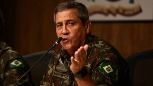 General Braga Netto discursando