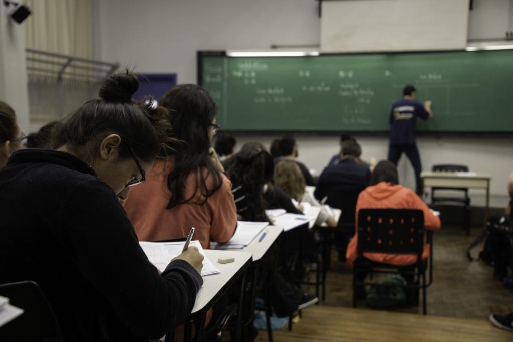 Presidente do Inep diz que alunos barrados no Enem devem fazer exame neste domingo – Jovem Pan