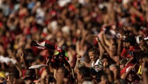 Torcedores de Flamengo e River Plate tomam Lima a 4 dias da final da Libertadores
