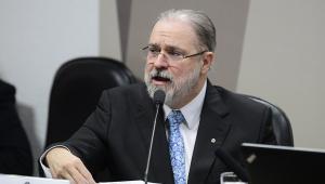 Aras diz que recebeu com 'tranquilidade' decisão de Toffoli sobre dados sigilosos