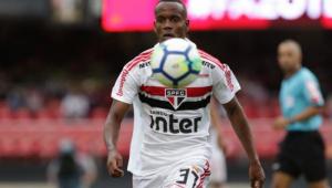 Liberado de treino, Helinho vira desfalque no São Paulo para jogo de quarta