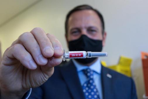 Doria: Testes finais da Coronavac seguem 'sem efeitos colaterais graves'