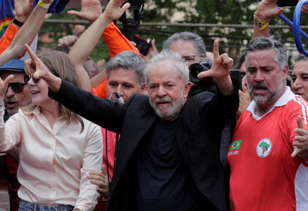 Sítio de Atibaia: decisão do TRF-4 anima defesa de Lula - Jovem Pan